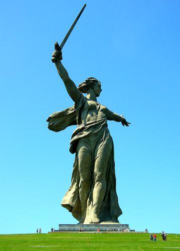 Монумент Родина-мать в Волгограде (Сталинграде)