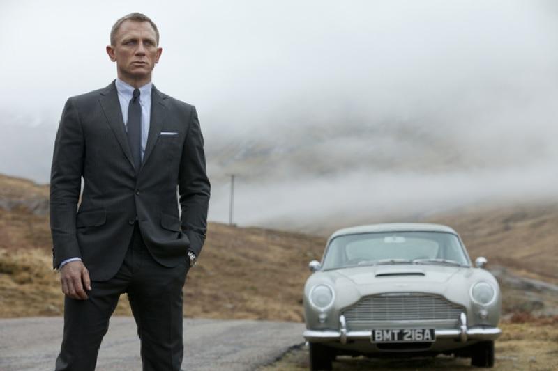 Агент 007. Бонд