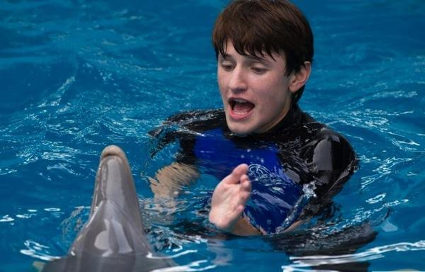 «История дельфина 2»