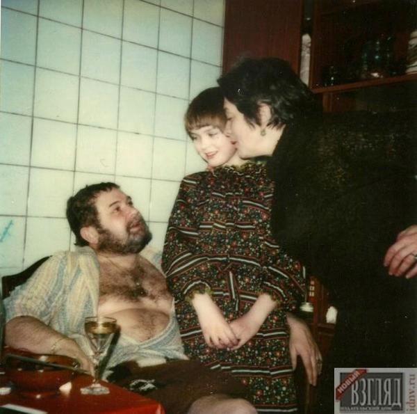 Юлиан Семенов с женой Екатериной и дочерью Ольгой. Москва, 1979 год.