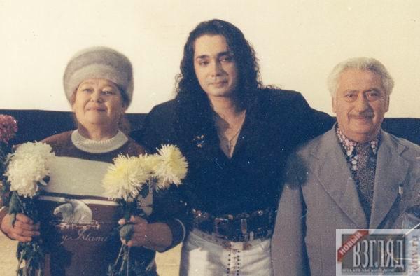 Игорь Наджиев с родителями