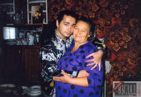 Игорь Наджиев с мамой