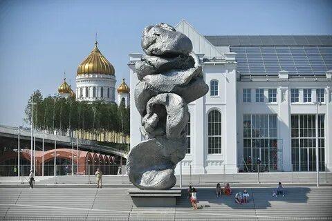 Глина № 4 креативнее Петра с рулем а потому останется в Москве